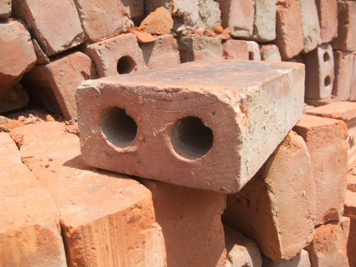 Cegły dziurawki