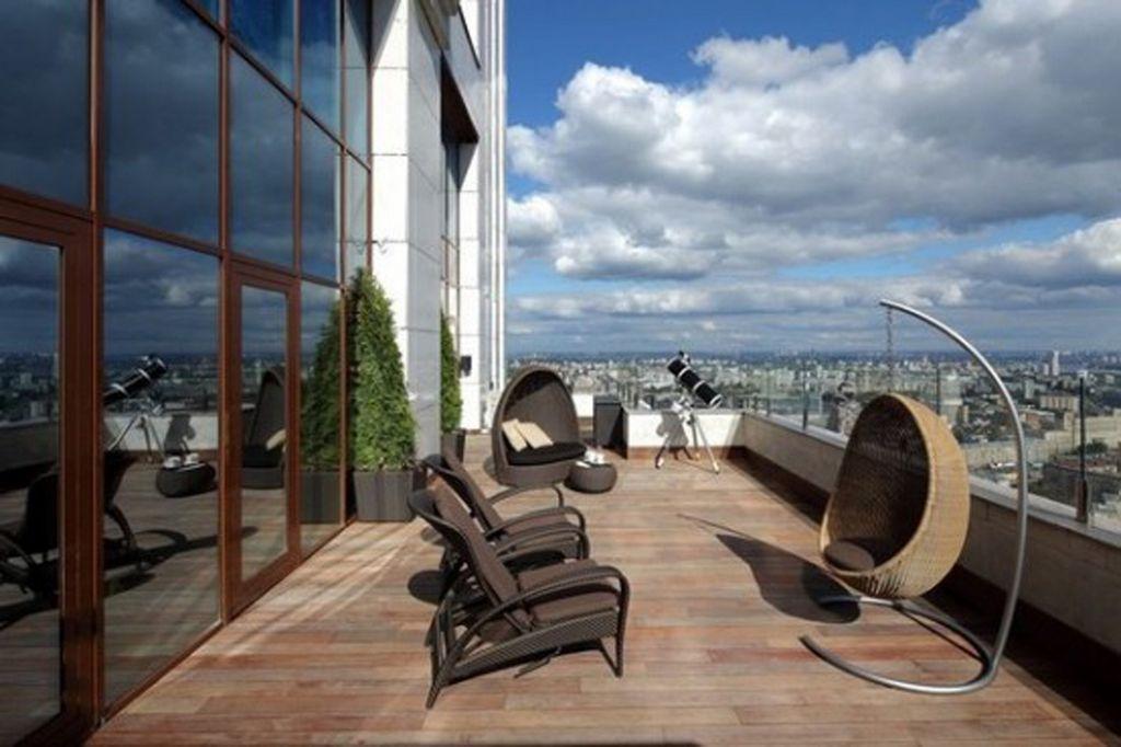 Deska tarasowa na balkonie