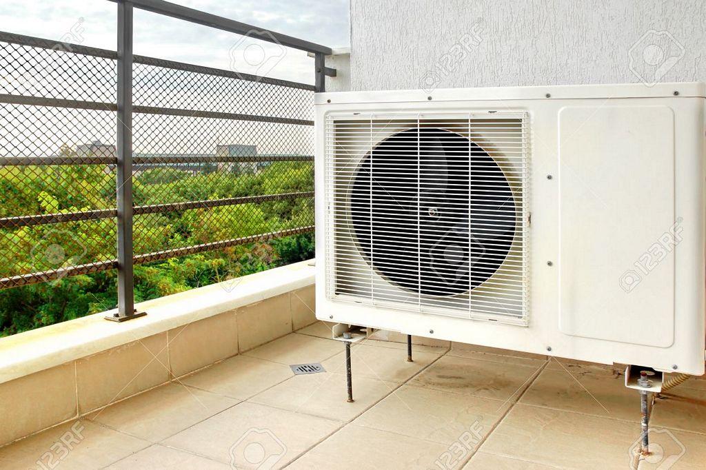 Klimatyzator na balkonie