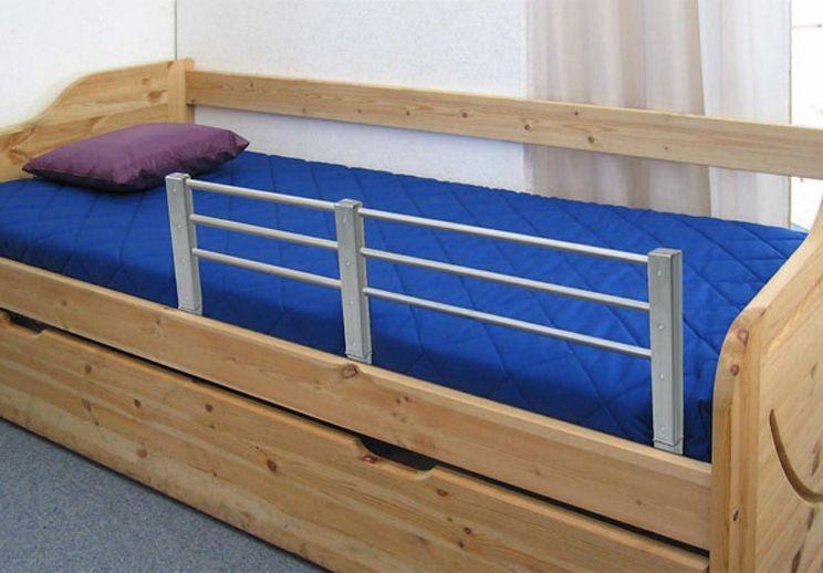 Łóżka z barierką