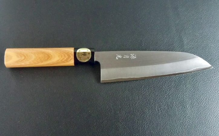 Nóż santoku