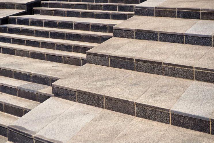 Co można położyć na schody ?