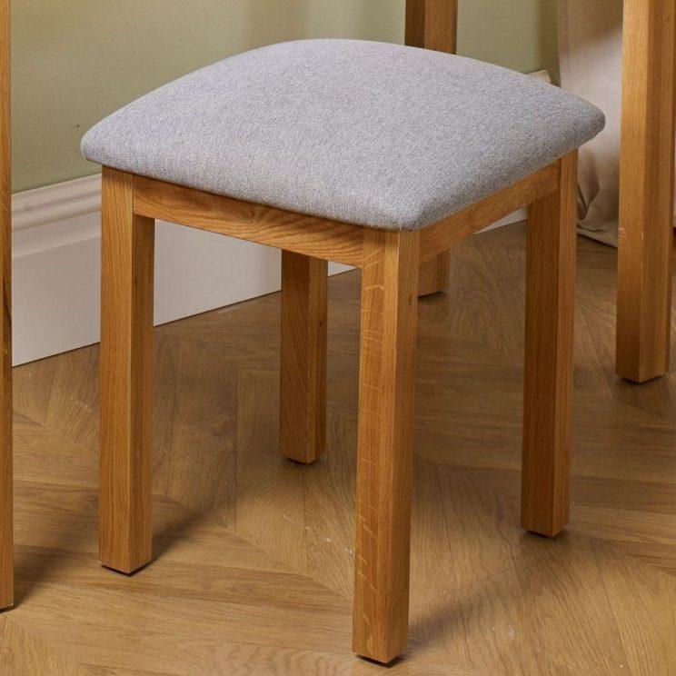 stolek drewniany