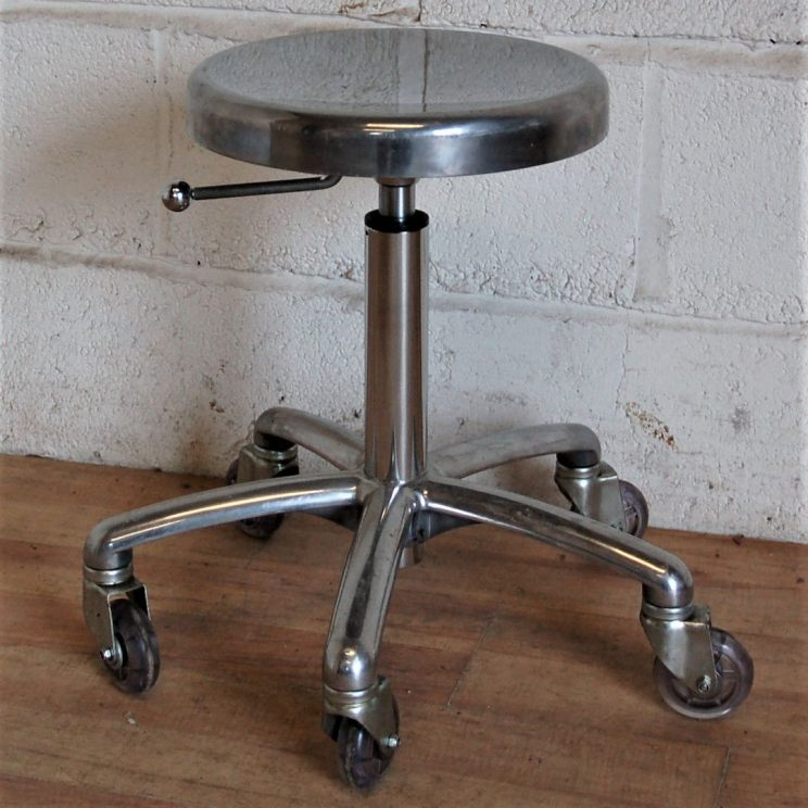 stolek warsztatowy