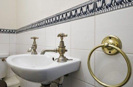Umywalka łazienkowa retro